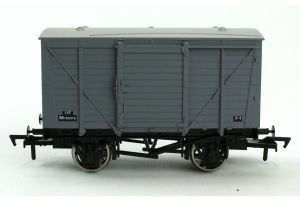 Dapol 4F-011-019 BR Ventilated Van, Grey Livery